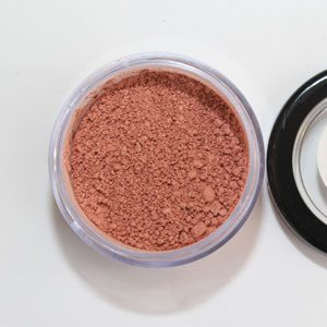 Mango coloured loose mineral blush