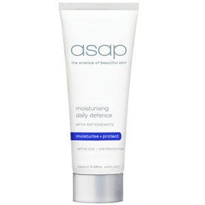 moisturising daily defense spf30